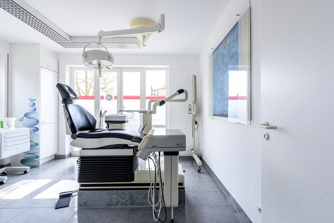 MKG - Zahnarzt Bietigheim-Bissingen - Wagner - Behandlungszimmer