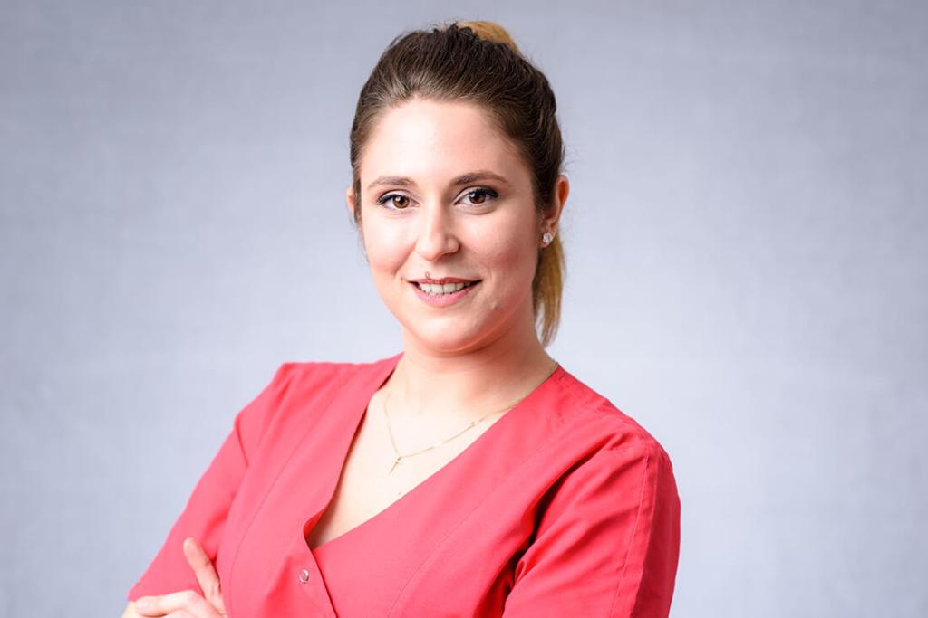 MKG - Zahnarzt Bietigheim-Bissingen - Team - Christina